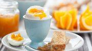 Gotowane jajko z paluszkami tostowymi