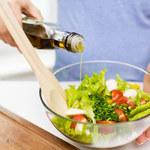 Gotowanie obiadu to dobry moment, by zadbać o swoje paznokcie