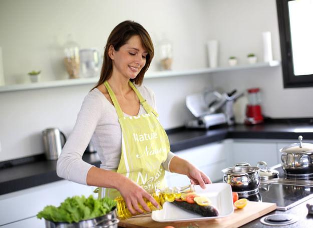 Gotowanie sprzyja tyciu /123RF/PICSEL