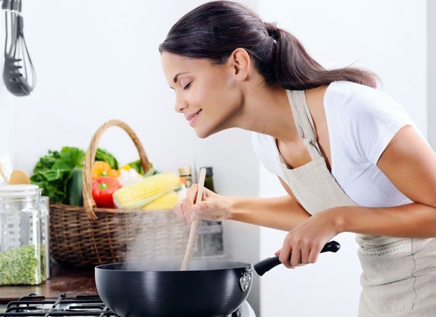 Gotowanie stało się modne /123RF/PICSEL