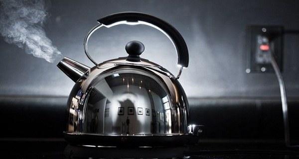 gotowanie wody dwa razy /© Photogenica