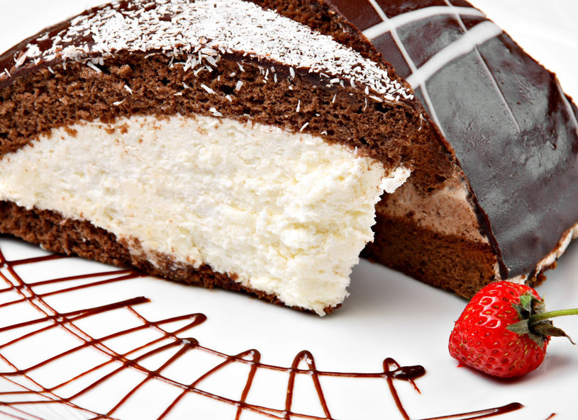 Gotowe ciasto wstaw do lodówki /123RF/PICSEL