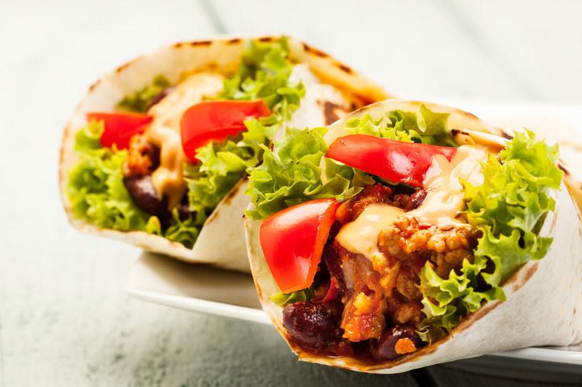 Gotowe tortille są dziś dostępne w większości sklepów spożywczych /123RF/PICSEL
