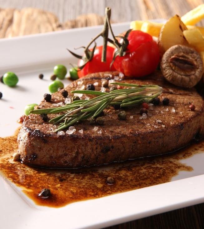 Gotowy stek /©123RF/PICSEL