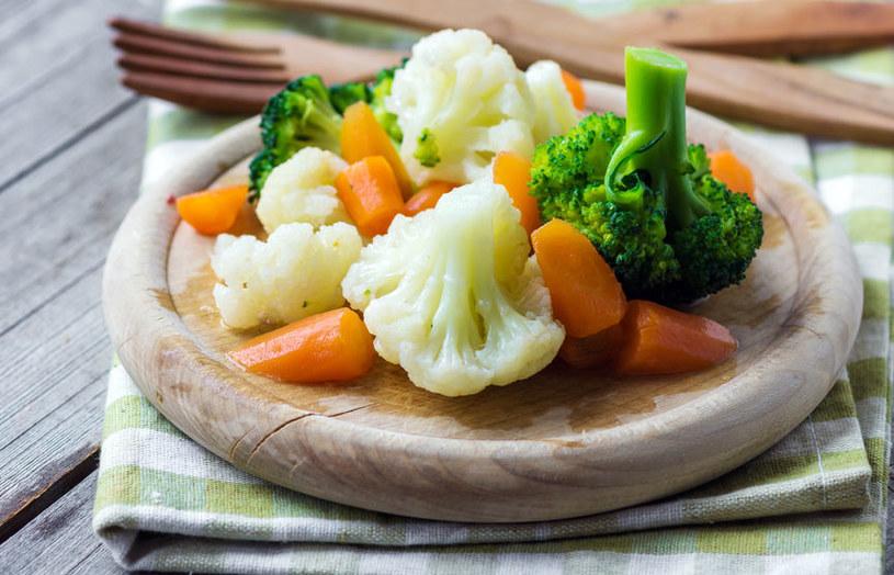 Gotuj warzywa na parze /©123RF/PICSEL