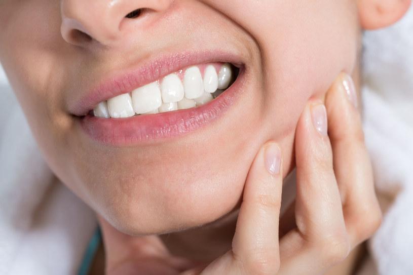 Goździki złagodzą ból zęba /123RF/PICSEL