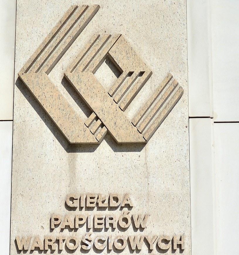 GPW: W górę odzież i banki /123RF/PICSEL