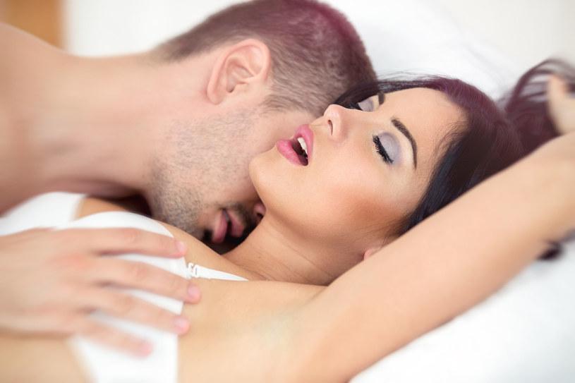 Gra wstępna jest potrzebna, ale nie gwarantuje kobiecie orgazmu /123RF/PICSEL