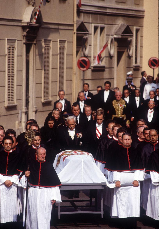 Grace Kelly miała pogrzeb godny królowej /Leemage /East News