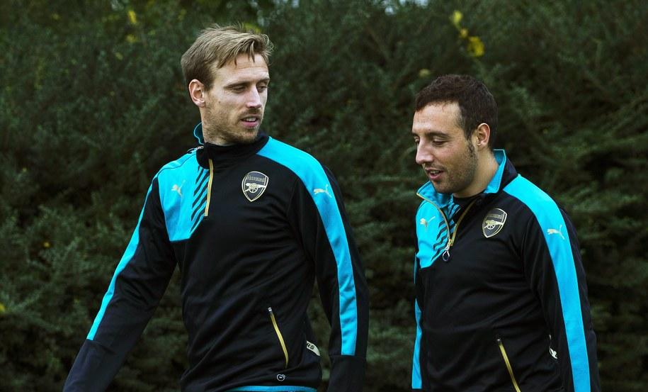 Gracze Arsenalu: Nacho Monreal  i Santi Cazorla /WILL OLIVER  /PAP/EPA