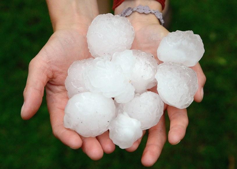 Grad wielkości piłek do ping-ponga spadł natomiast w gminie Lubawa (zdjęcie ilustracyjne) /PAP/EPA