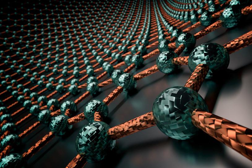 Grafen - minerał, który kształtem przypomina plaster miodu /123RF/PICSEL