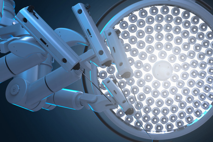 Grafika ilustrująca robota chirurgicznego /123RF/PICSEL