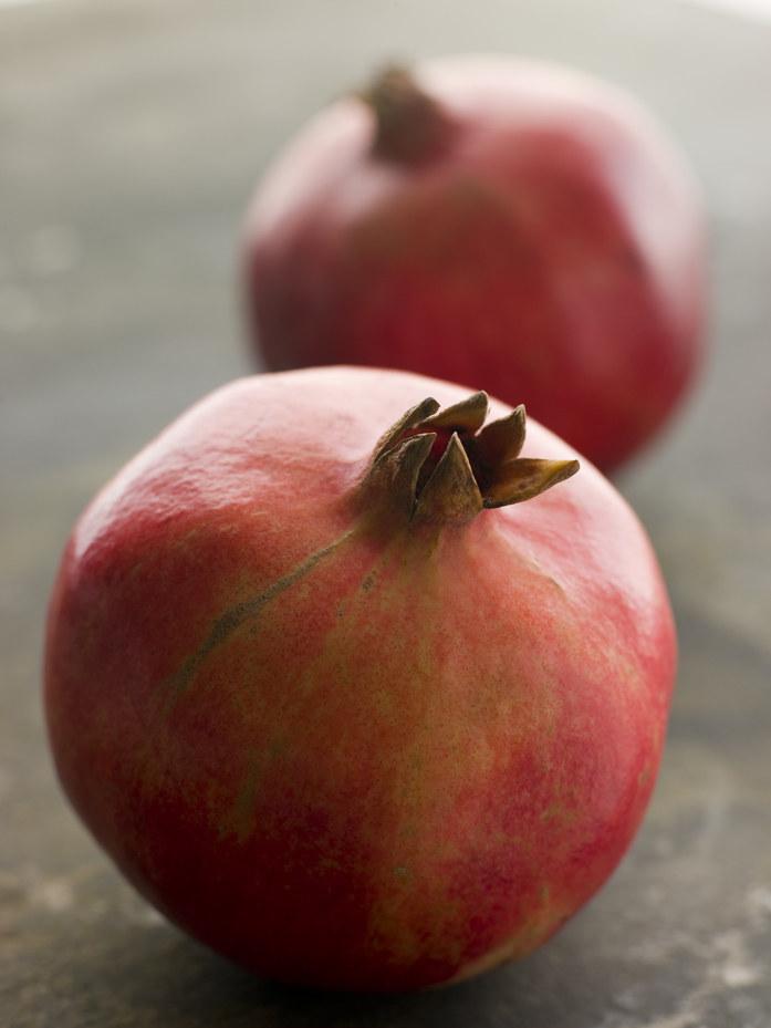 granaty owoce /© Photogenica