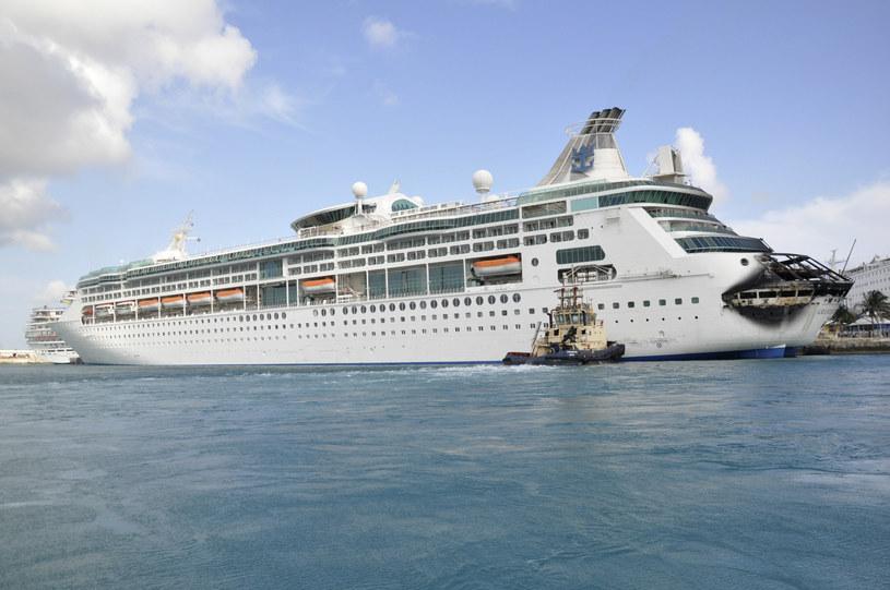 """""""Grandeur of the Seas"""" po pożarze /REUTERS/Vandyke Hepburn  /Agencja FORUM"""