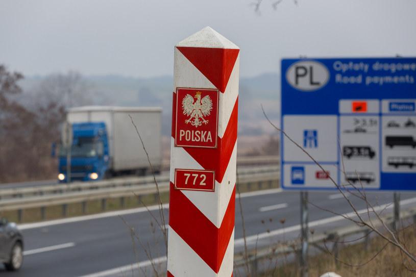 Granica państwa w Kołbaskowie /ROBERT STACHNIK/REPORTER /East News