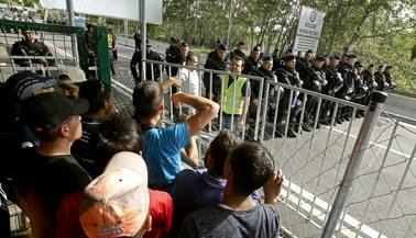 Granica węgiersko-serbska zamknięta, uchodźcy nie odpuszczają. Będzie nadzwyczajny szczyt UE?