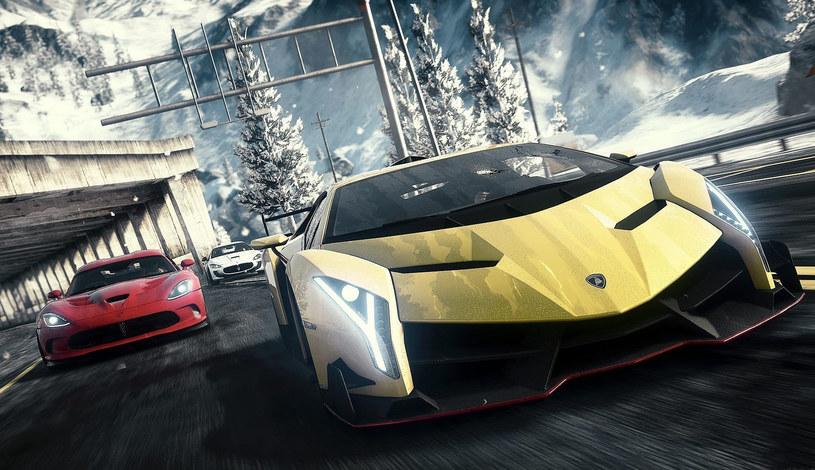 Granie w gry wyścigowe wymaga błyskawicznych reakcji, tak jak niebezpieczne sytuacje na drodze /