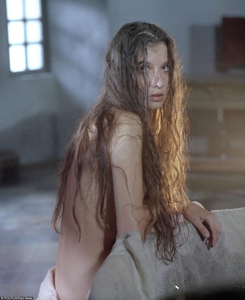 """Grażyna Wolszczak w filmie """"Żelazna ręka"""" (1989) w reżyserii Ryszarda Bera /East News/POLFILM"""