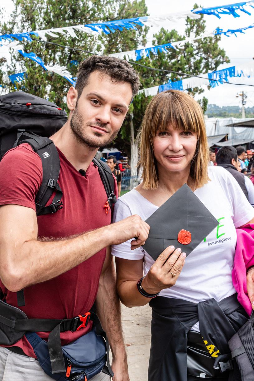 """Grażyna Wolszczak z synek w programie """"Ameryka Express"""" /TVN"""