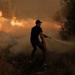 Grecja: Niszczycielskie pożary. Na Peloponezie trwa walka z 10-kilometrowym frontem ognia