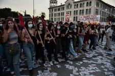 Grecja: Starcia antyszczepionkowców z policją w Salonikach. Użyto gazu łzawiącego i armatek wodnych