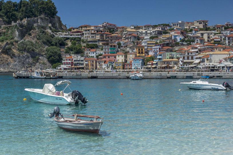 Grecja to jeden z najczęściej wybieranych przez Polaków kierunków wakacyjnych. /123RF/PICSEL