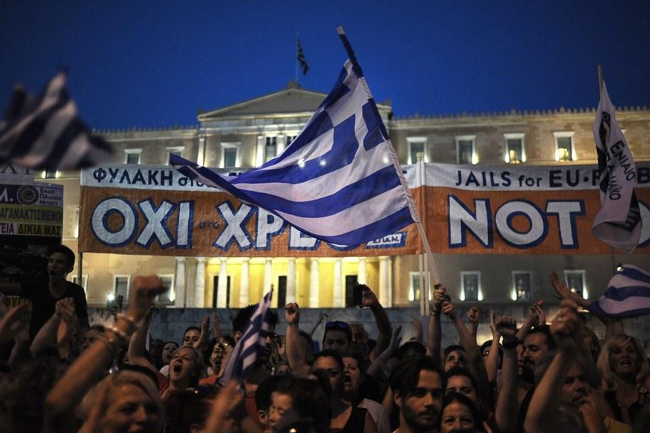 Grecja. Wielka demonstracja przeciwników zaciskania pasa przed budynkiem parlamentu w Atenach /FOTIS PLEGAS G. /PAP/EPA