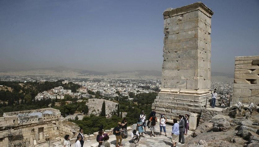 Grecja wprowadza obowiązek noszenia maseczek na promach