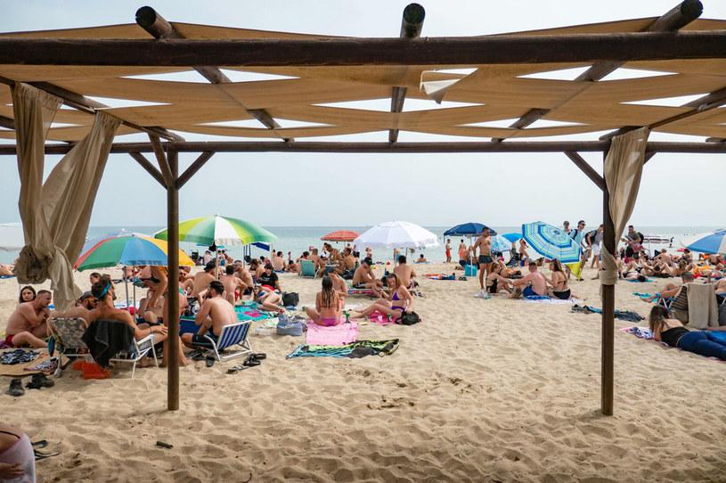 Grecka plaża /Nicolas Economou/NurPhoto /Getty Images