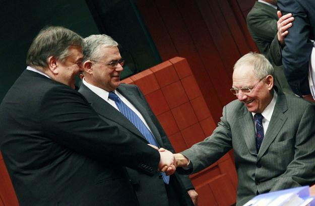 Grecki minister Evangelos Venizelos, premier Lucas Papademos oraz Niemiec Wolfgang Schaeuble /PAP/EPA