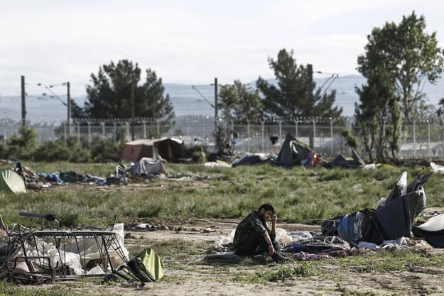 Greckie władze zakończyły ewakuację uchodźców i imigrantów z obozu w Idomeni /AFP