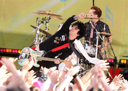 Green Day (fani uprawiający seks poza kadrem) fot. Stephen Lovekin /Getty Images/Flash Press Media