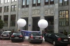 Greenpeace w siedzibie PGE. Nie chcą nowych elektrowni