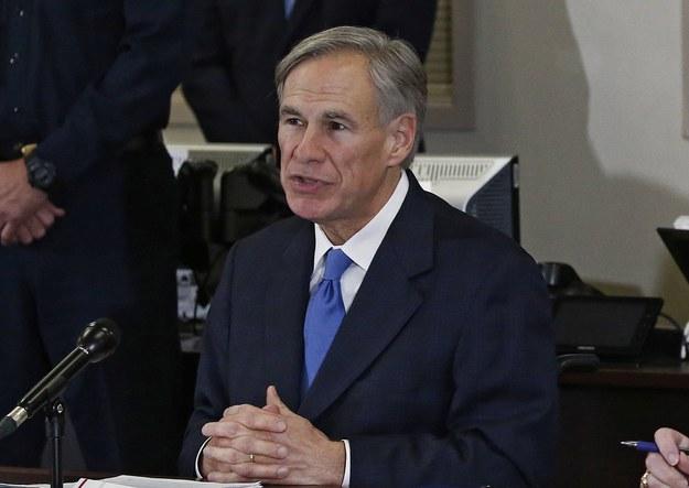 Greg Abbott /LARRY W. SMITH /PAP/EPA