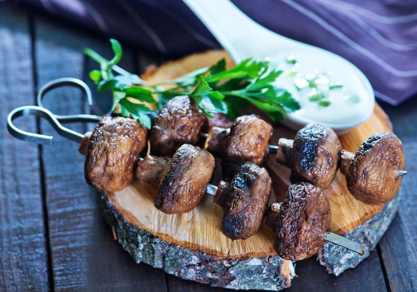Grillowane grzyby smakują wybornie /123RF/PICSEL
