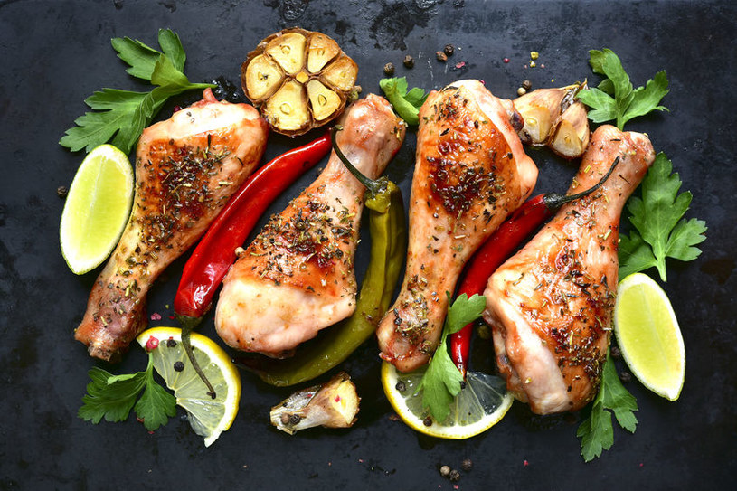 Grillowane nóżki kurczaka /©123RF/PICSEL