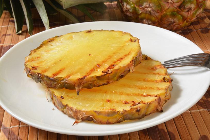 Grillowany ananas /123RF/PICSEL