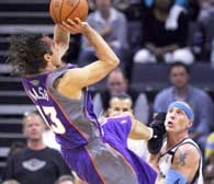 Grizzlies - Suns 115:123. Steve Nash  w ofensywnej akcji. /AFP