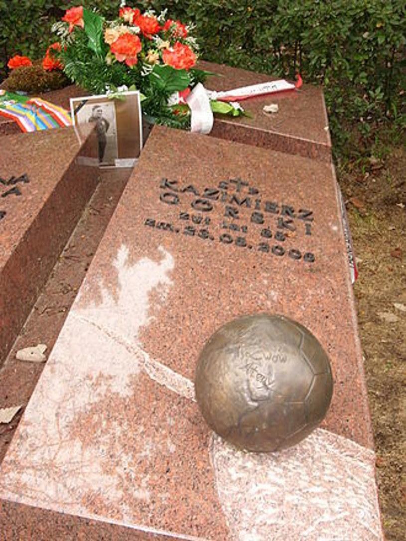 Grób Kazimierza Górskiego w Alei Zasłużonych na Cmentarzu Wojskowym na Powązkach w Warszawie /123RF/PICSEL