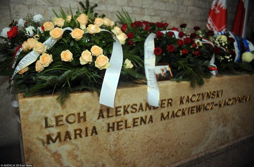 Grób Lecha i Marii Kaczynskich /Maciej Gillert /Agencja SE/East News