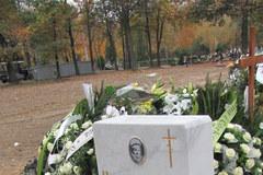 """Grób Lidii Nowikowej z Legnicy - prawdziwej bohaterki filmu """"Mała Moskwa"""""""