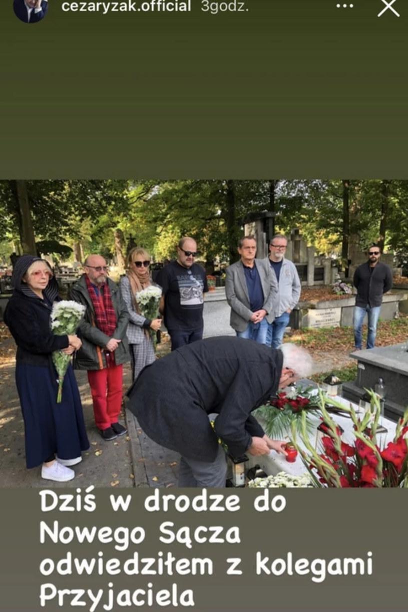 Grób Piotra Machalicy, fot. https://www.instagram.com/cezaryzak.official/ /Instagram