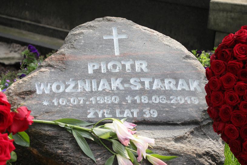 Grób Piotra Woźniaka-Staraka /Piotr Molecki /East News