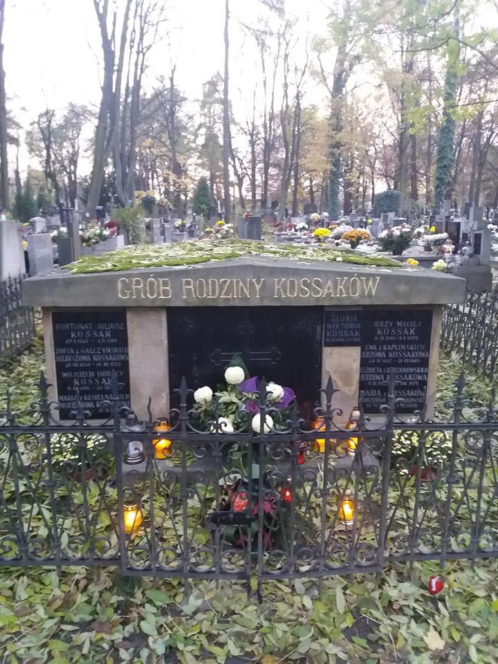 Grób rodziny Kossaków /Wojciech Zabielski /