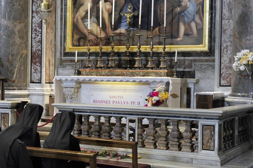 Grób św. Jana Pawła II /Wojtek Laski /East News