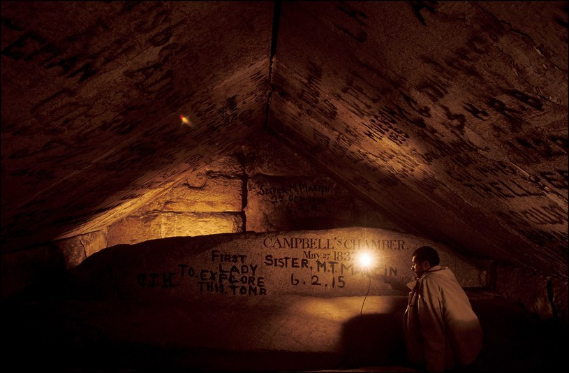 Grobowiec Cheopsa należy do wyjątkowo zagadkowych obiektów /East News