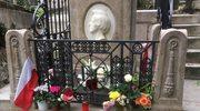 Groby Fryderyka Chopina i Jima Morrisona w Paryżu chętnie odwiedzane przez turystów