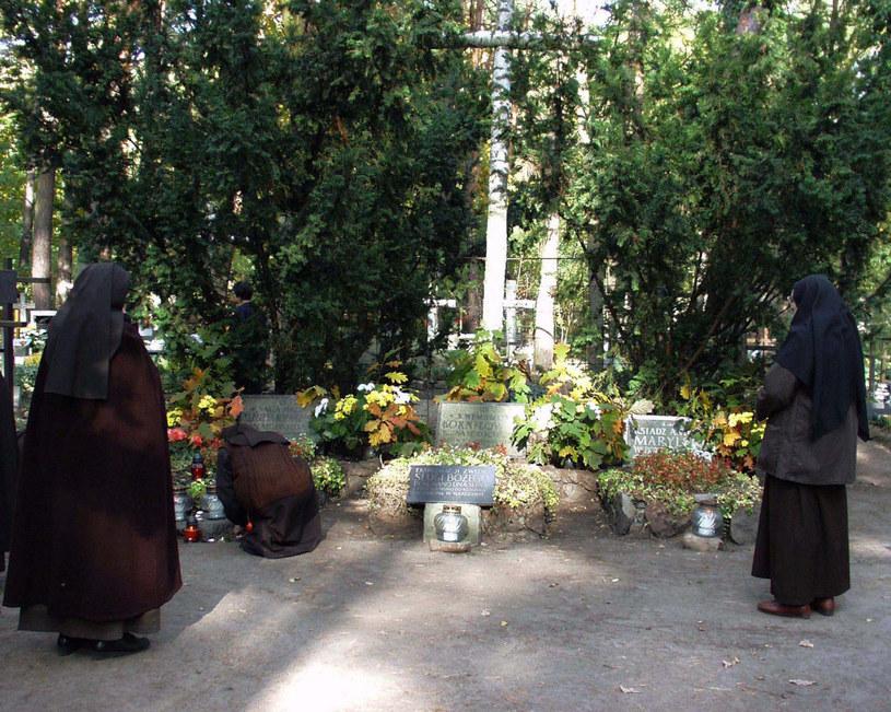 Groby założycieli Zakładu dla niewidomych w Laskach - w tym grobu Elżbiety Róży Czackiej /Marianna Osko /East News