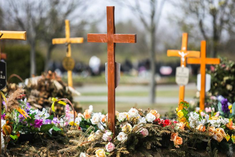 Groby zmarłych w 2020 roku, zdjęcie ilustracyjne /Adam Burakowski/REPORTER /Reporter